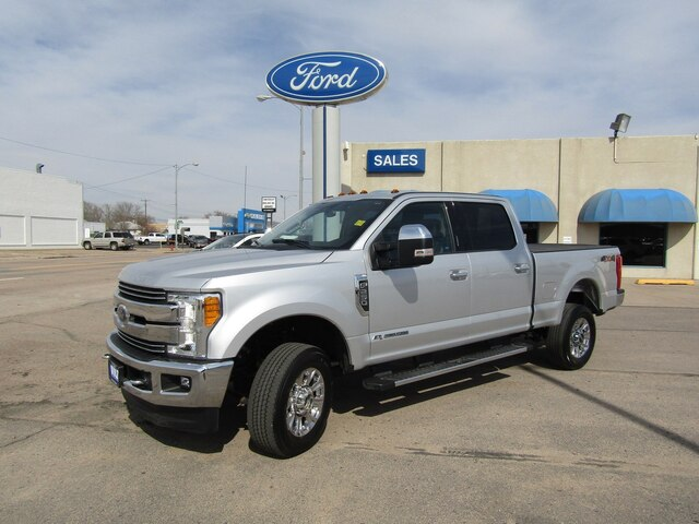 Pre-Owned 2017 Ford F-250 Lari